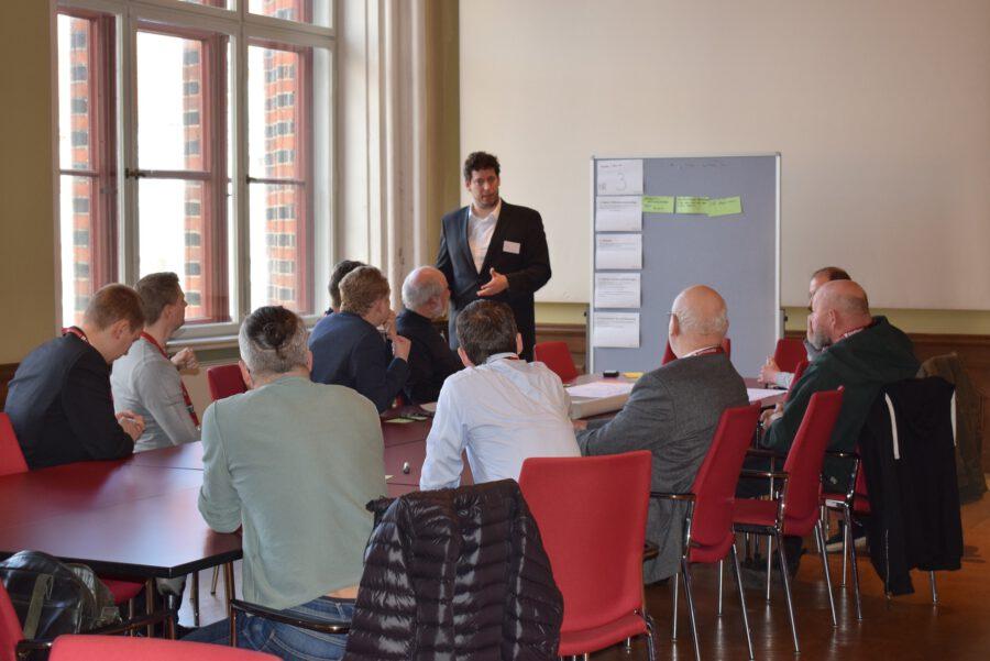 HyStarter Rügen-Stralsund | Thomas Baase vom Landkreis Vorpommern leitete den Workshop Verkehr